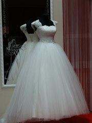 Новое красивое свадебное платье И фата(упаковано)