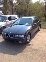 автомобиль БМВ 316 1995 года